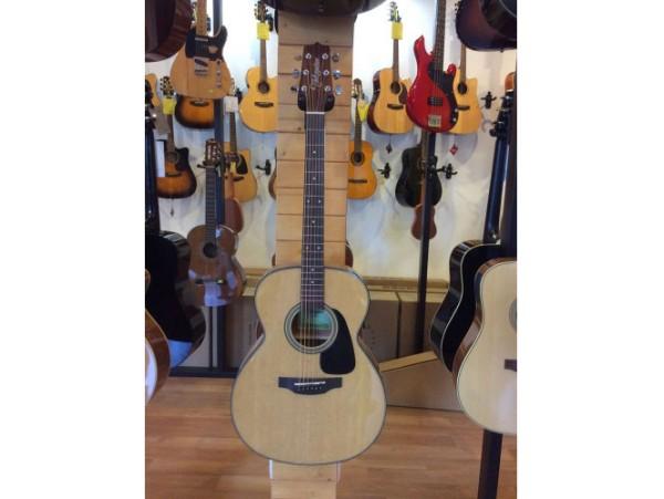 Đàn guitar Takamine D2N